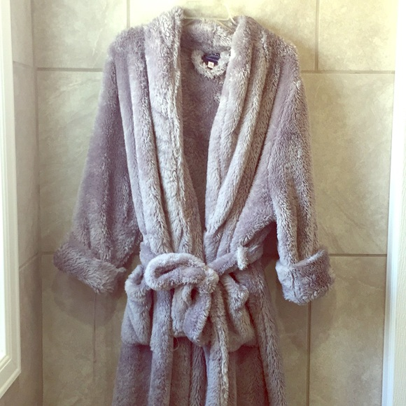 60b139a79d Berkshire Blanket Other - Luxurious Grey Bath Robe 2x
